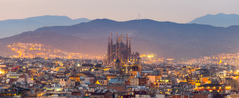Holidays with more stops trending now with Barcelona as top destination — Shutterstock